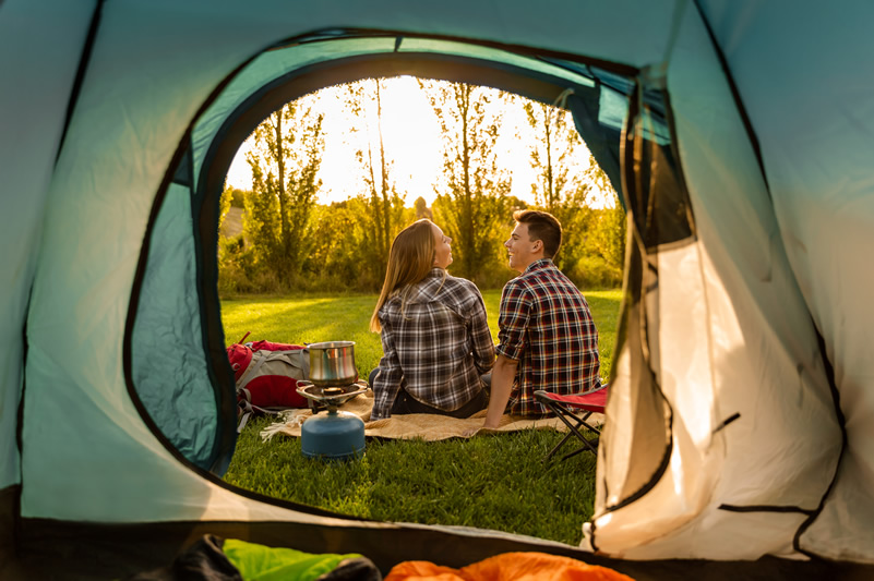 Camping vs Hotels